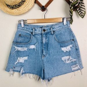 Vintage LizWear Distressed Cut Off Mom Shorts